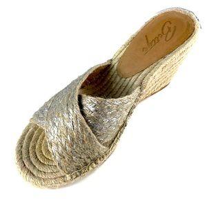 Bettye Muller Hanna Jute Rope Wedge Sandal Silver